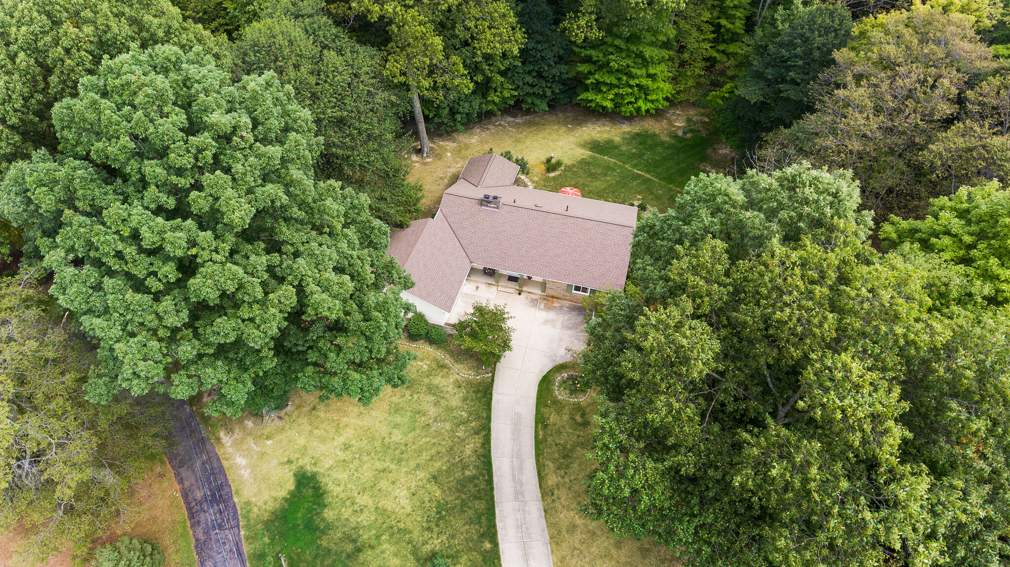 A well cared for home at 4349 Orandale Dr in Chagrin Falls