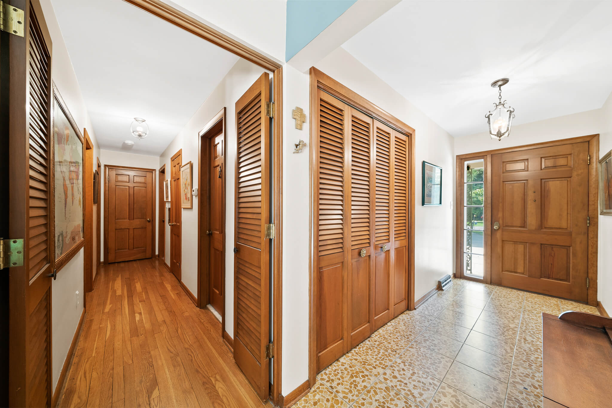 Real hardwood floors at 4349 Orandale Dr in Chagrin Falls