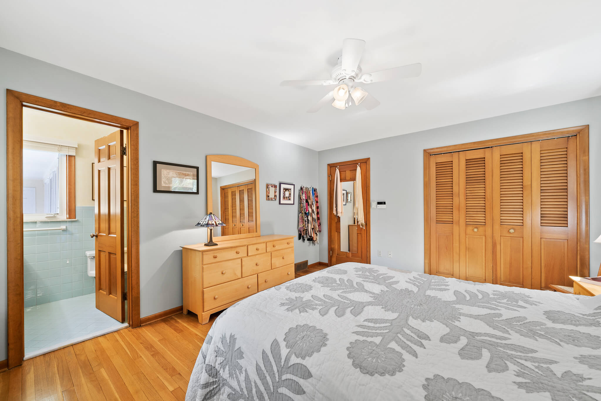 Large closets and tasteful paint colors