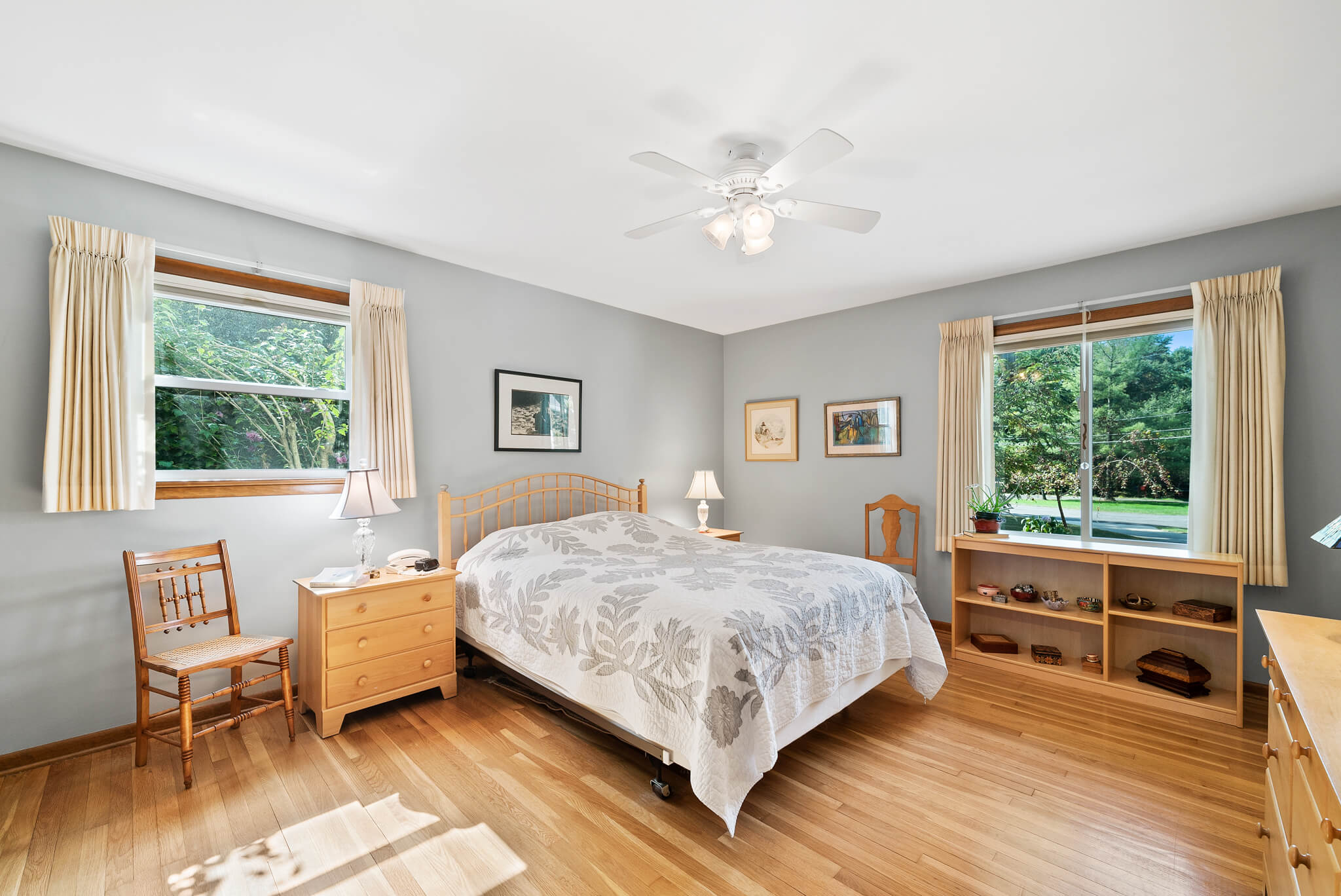 Master bedroom with ensuite bathroom at 4349 Orandale Dr in Chagrin Falls